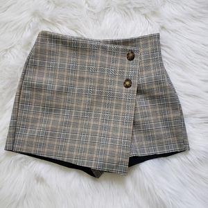 ZARA BASIC Tan Gray Plaid Skort Shorts